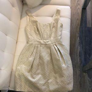 Shoshanna gold dress size 6 with pockets